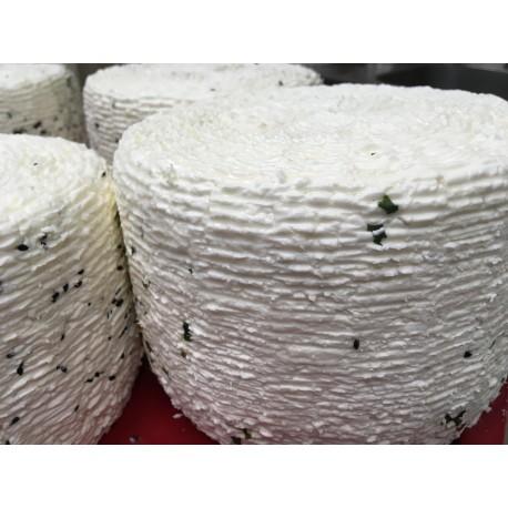Ser typu Korycin z orzechem włoskim